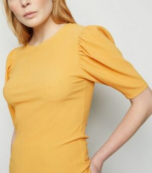 Pale Yellow Crinkle Puff Sleeve T-Shirt New Look